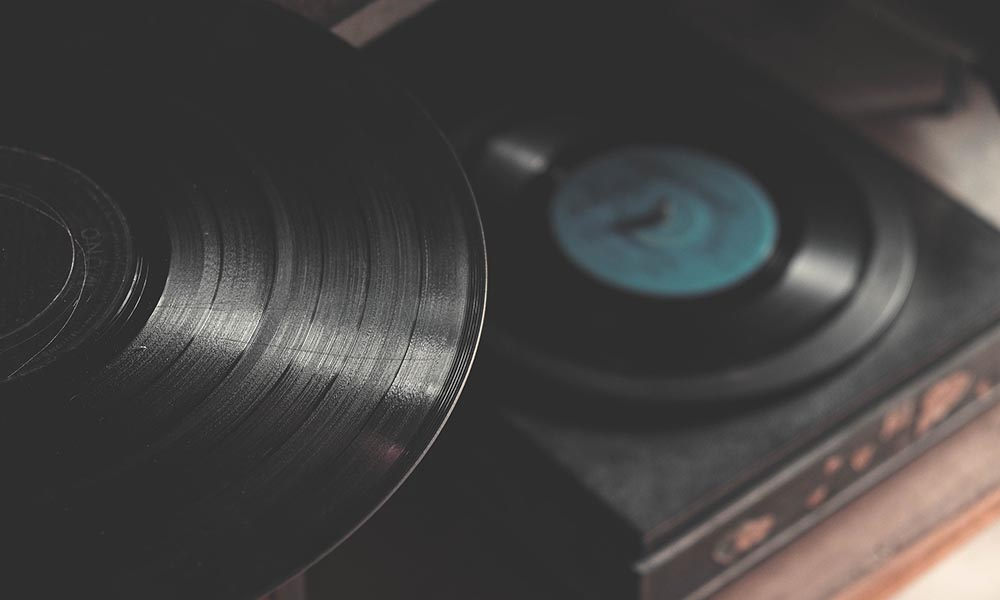 How To Cheaply Clean A Vinyl Record